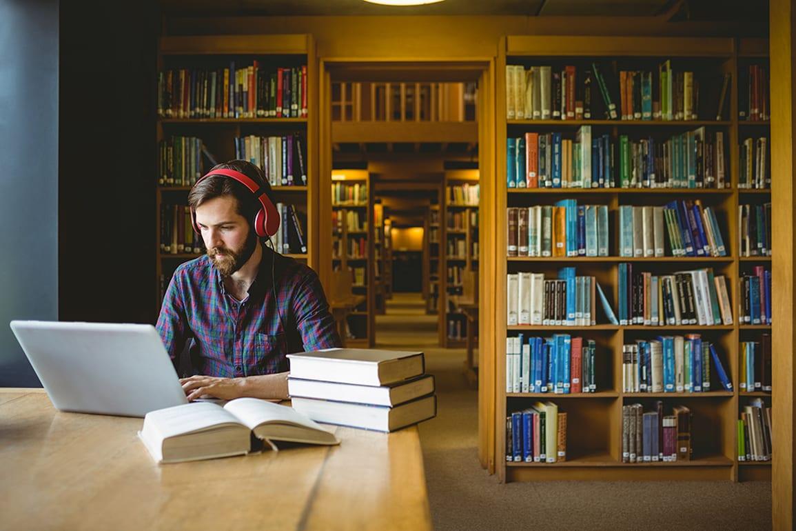 Steinbeis University Berlin - Student in Library